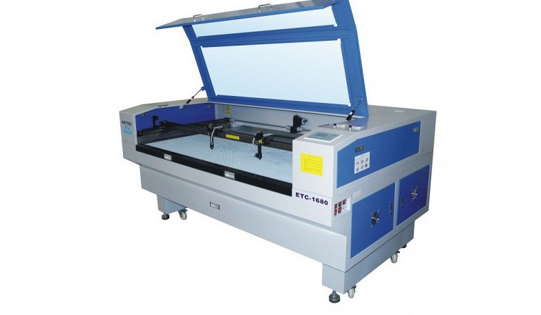 Double head laser cutting and engraving machines.